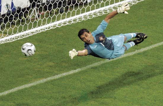 dive-goal-keeper